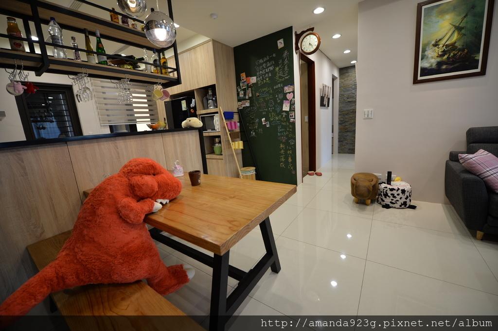 C&H 新家 簡單入厝儀式 新家開箱 客廳 走廊