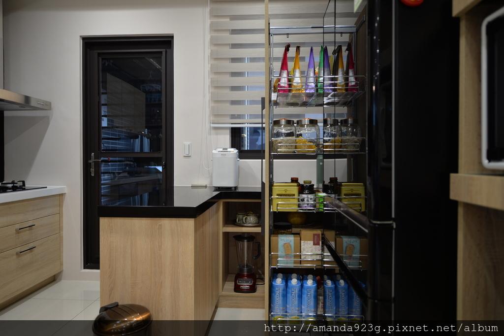 C&H 新家 簡單入厝儀式 新家開箱 廚房 吧台