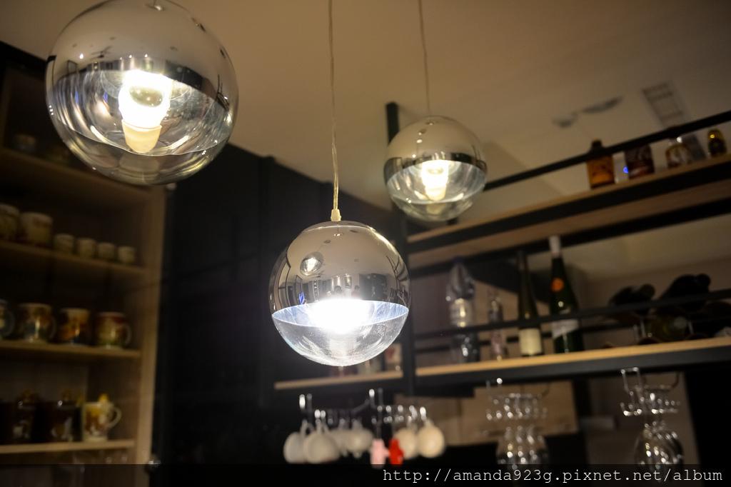 C&H 新家 簡單入厝儀式 新家開箱 餐桌燈