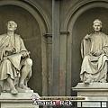 布魯內涅斯基與康比歐的雕像。