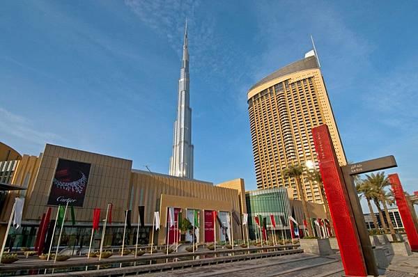 The-Dubai-Mall-Grand-Drive-1024x679.jpg