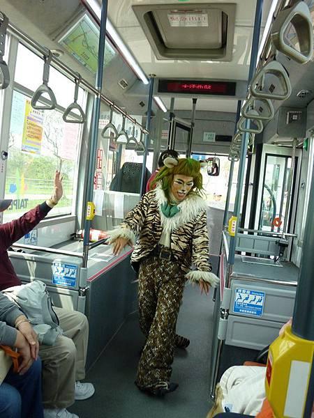 遊行公車3.JPG