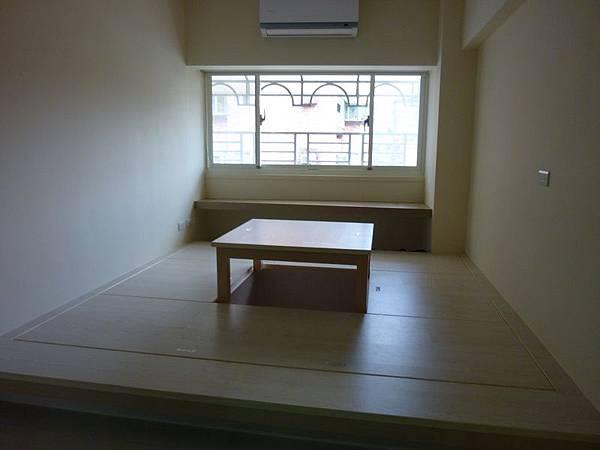 和室地板收納桌子.JPG