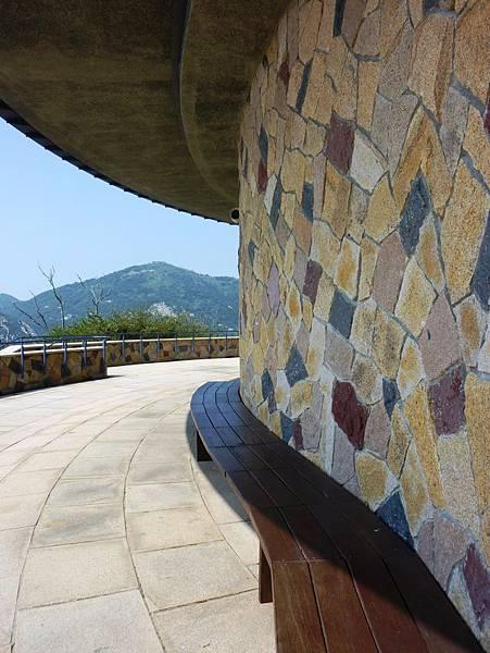 戰爭和平紀念館牆
