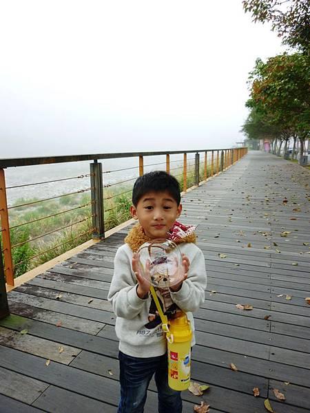 油羅溪河堤步道
