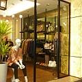 KIO服飾店入口3