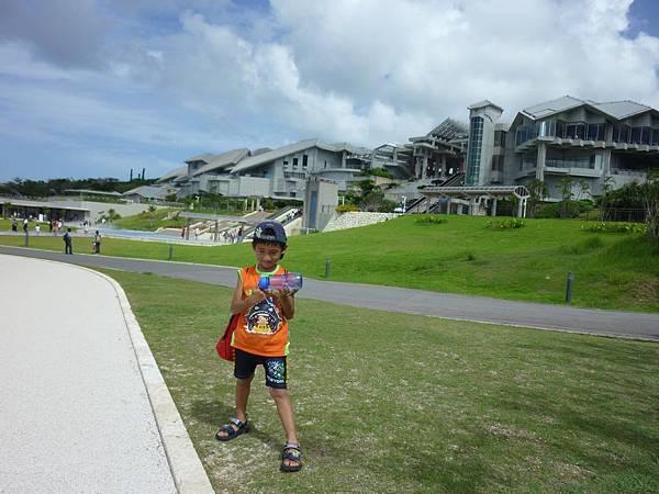沖繩水族館爬網3.JPG