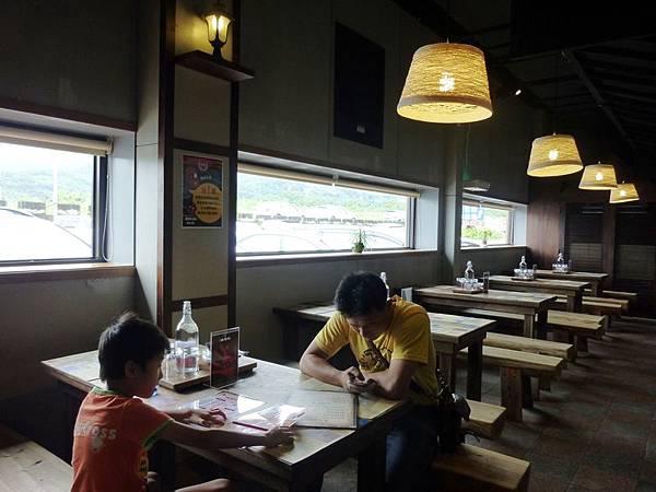 山寨村餐廳2.JPG