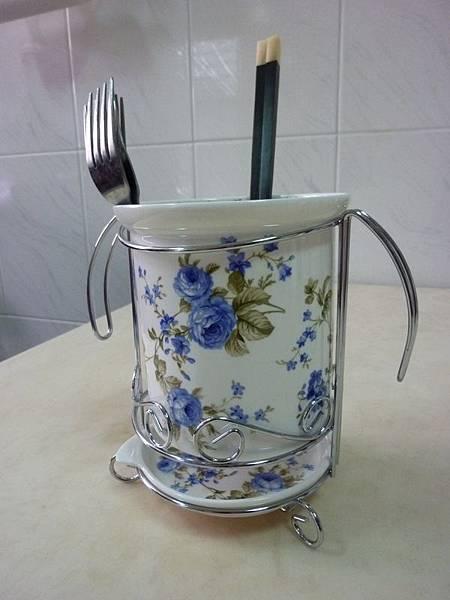 藍玫瑰骨瓷筷桶與天然貝殼方黑檀木筷.JPG