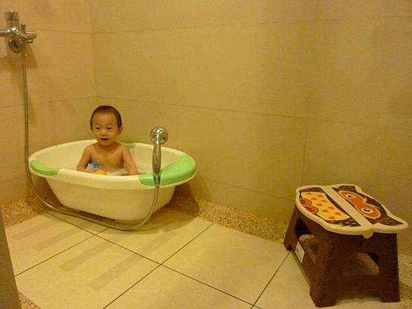 洗澡1.JPG
