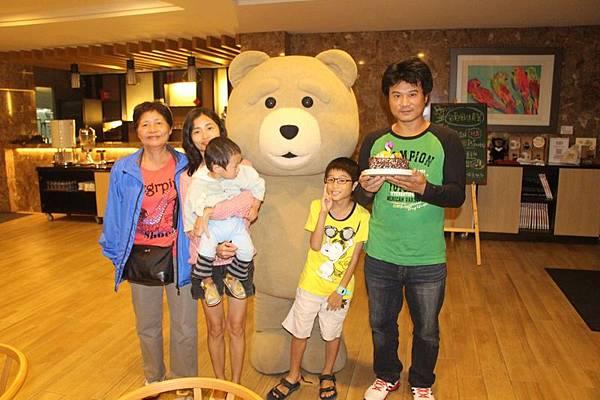 熊管家慶生5.JPG