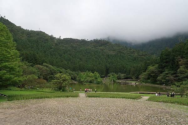 明池(雲霧飄渺).JPG