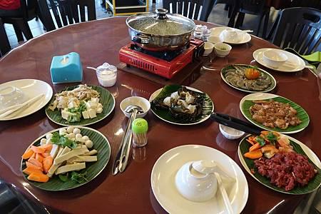 紅蟳海鮮鍋(東革阿里老火雞湯).JPG