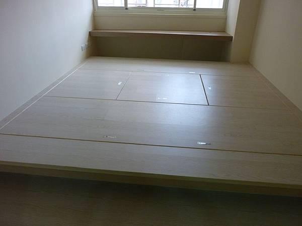 和室地板收納2.JPG