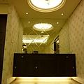 菱形鏡與天然黑檀餐具櫃.JPG