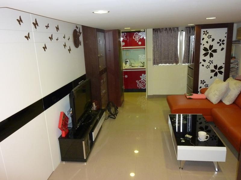 客廳廚房壁貼.JPG