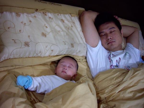 同床而眠.JPG