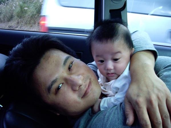 父子抱抱.JPG