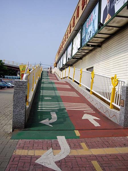 自行車天橋2.JPG