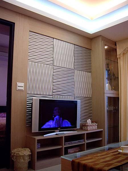 電視牆及展示櫃.JPG