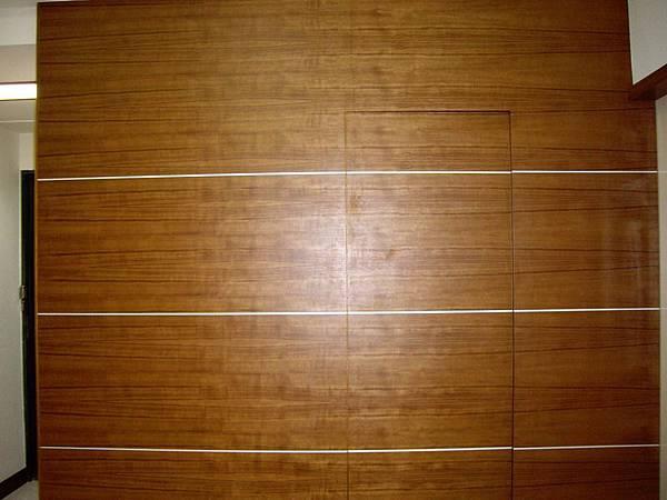 隱藏門造型牆1.JPG