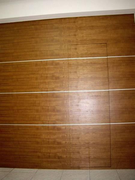 隱藏門造型牆2.JPG