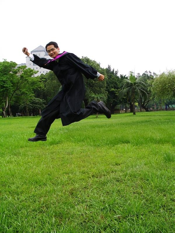 小弟畢業了.JPG