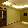鞋櫃與客廳.JPG