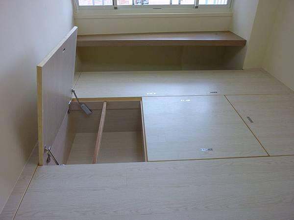 和室地板收納3.JPG