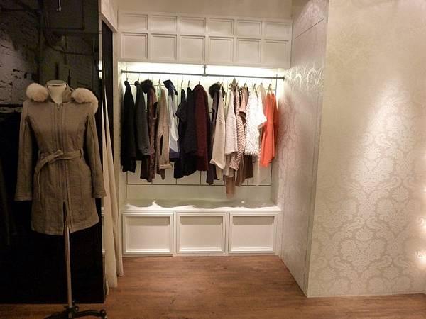東區服飾店2.JPG