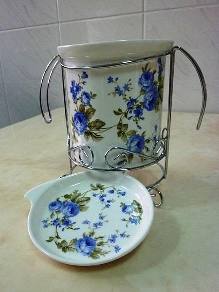 藍玫瑰骨瓷分隔筷桶.JPG