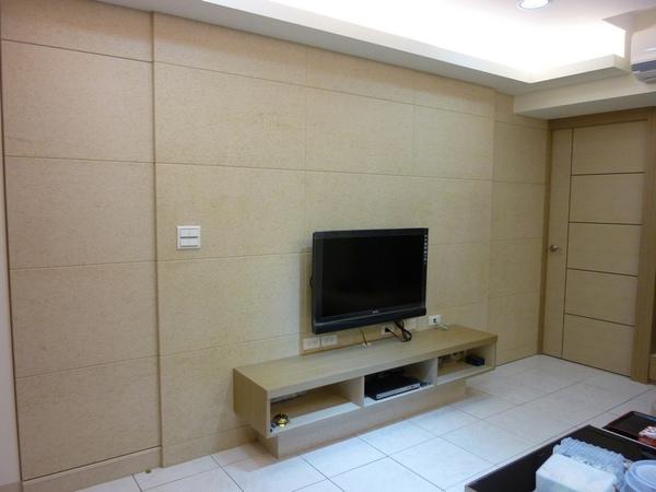 客廳造型牆及隱藏門3.JPG