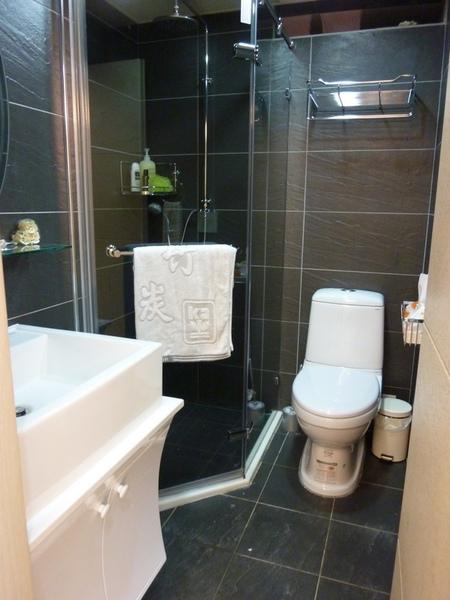 浴室板岩磁磚.JPG