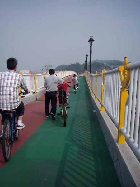 自行車天橋.JPG