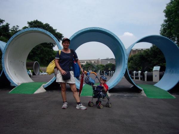 管材雕塑區.JPG