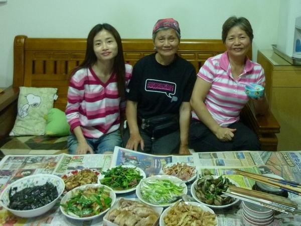 三位母親.JPG