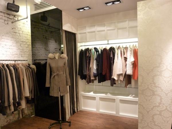 東區服飾店3.JPG