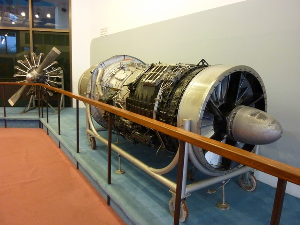 渦輪噴射引擎.JPG
