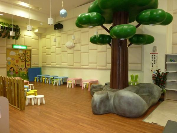 兒童玩具區.JPG