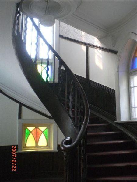 131.很漂亮的樓梯