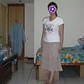 米色半長裙