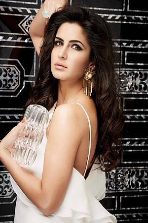 L-Officiel-Magazine-katrina-kaif-34315244-600-900