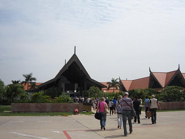 AngkorWat_1103_01.JPG