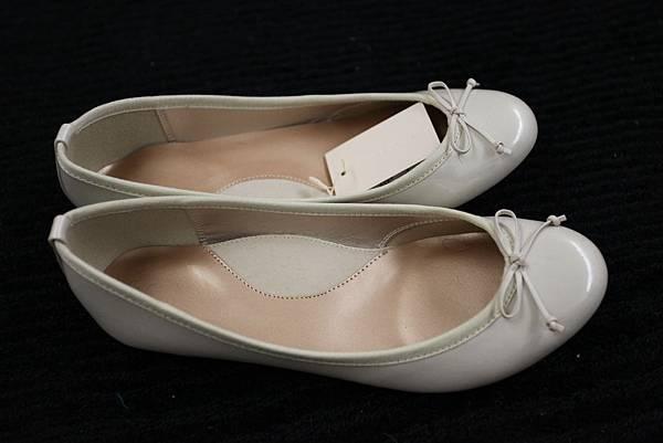 米白)UNIQLO娃娃鞋no.6 (36.5) 米白色 $890