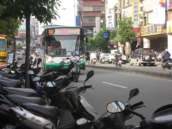 公車公車.JPG
