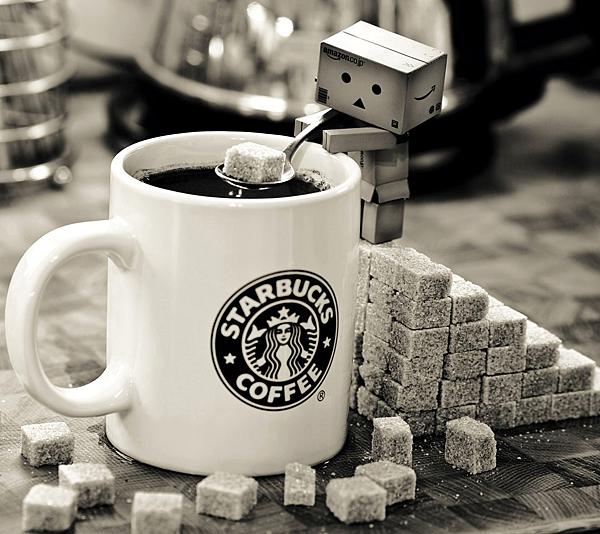 Danbo-and-Starbucks