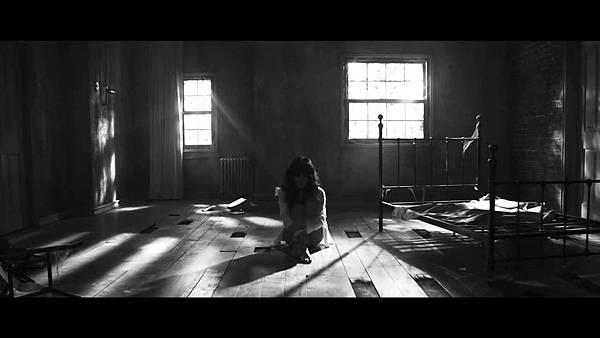 Spica-Bohyung-Crazy-Girl-MV-teaser-1