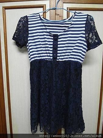 條紋藍蕾絲洋裝