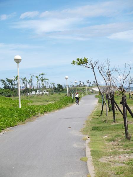 在旗津騎自行車很舒服