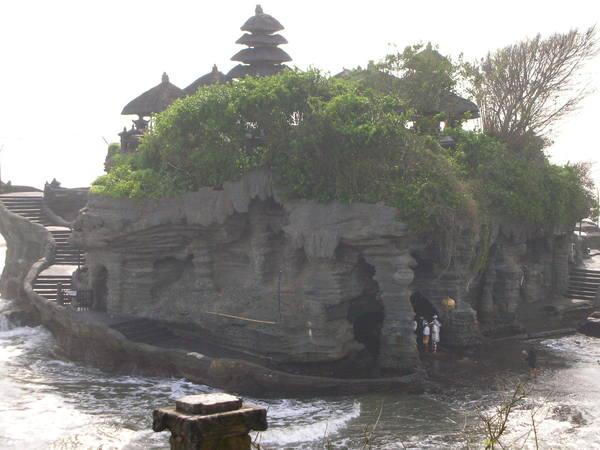 海神廟 好像卡通裡的幽靈船..